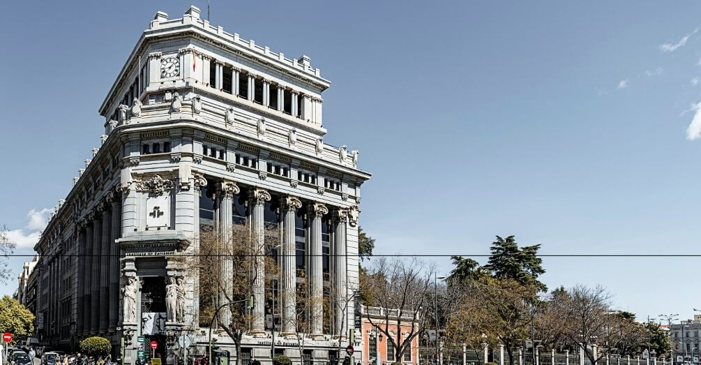 IE University and Instituto Cervantes sign agreement